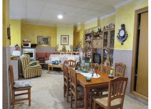 1807 CASA DE 250 m2, ZONA COLEGIO ISABEL LA CATÓLICA