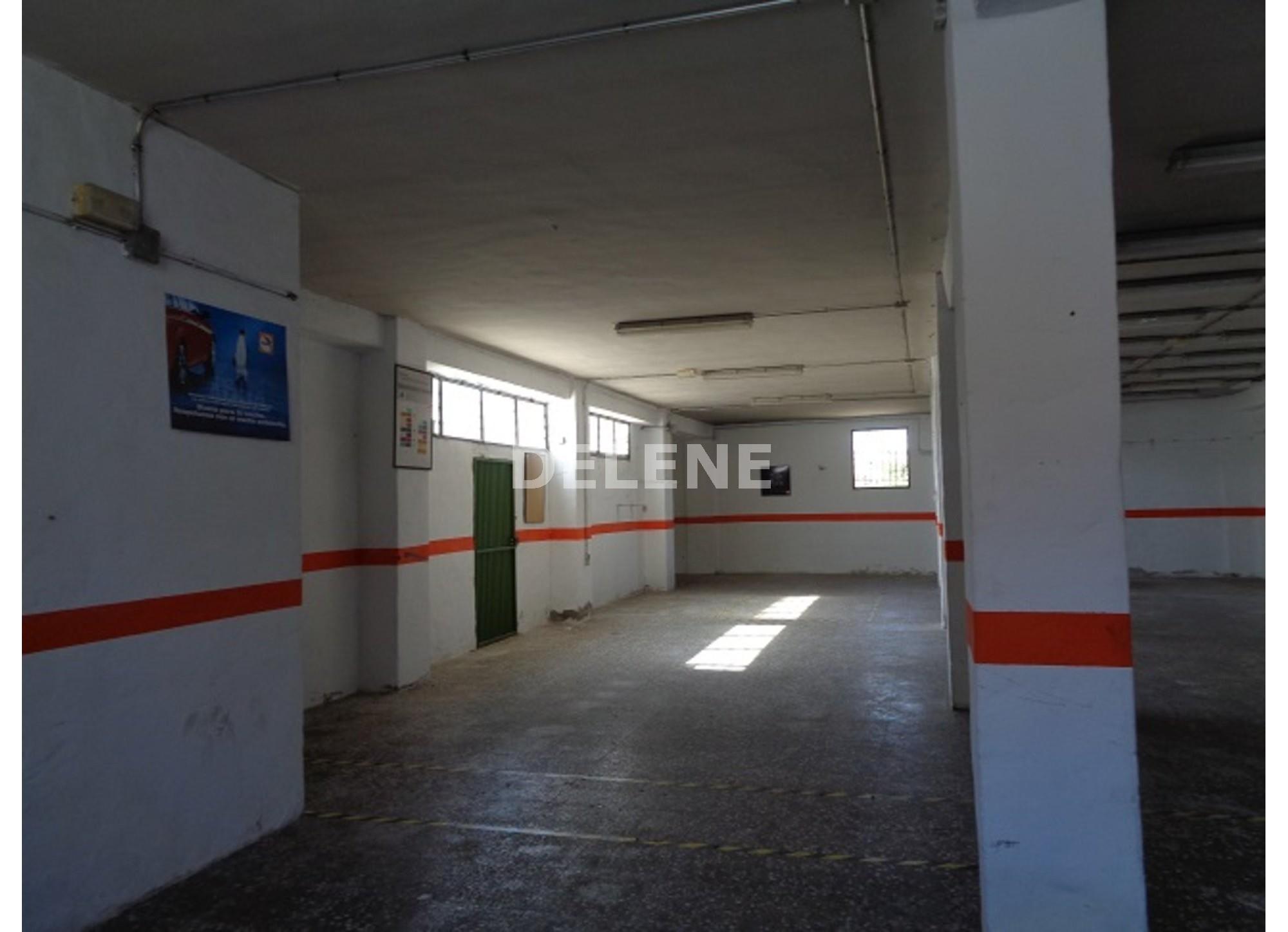 1136 NAVE EN EL BARRIO DEL PINO